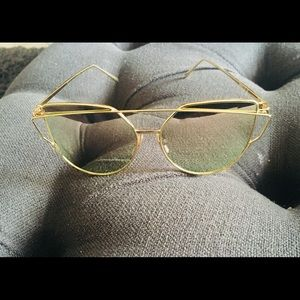 b1156430dbee Accessories - Oversized Pink Mirrored Gold Frame Glasses